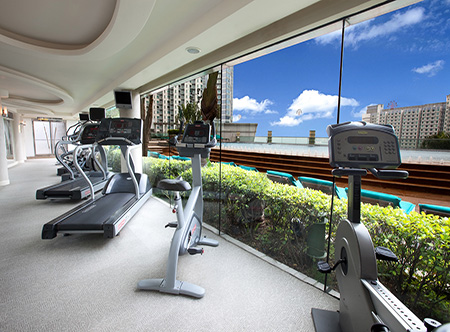 Harbour_Plaza_Metropolis_-_Gym.jpg