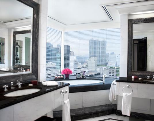 The_Peninsula_-_Grand_Deluxe_Harbour_View_Suite_Bathroom.jpg