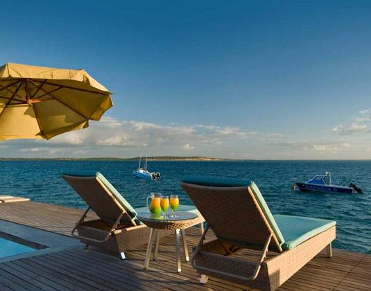 Dugong_Beach_Lodge_-_Deckchairs.jpg