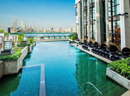 Harbour_Grand_Hong_Kong_-_Swimming_Pool_new.jpg