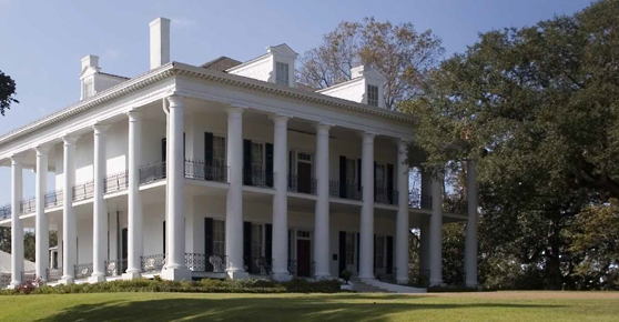 Natchez Plantation Home located on Mississippi River