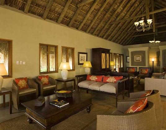 Dugong_Beach_Lodge_-_Lounge.jpg