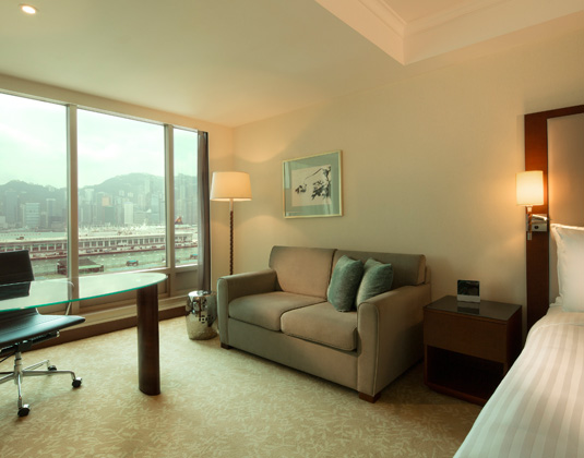 Royal_Pacific_Hotel_and_Towers_-_Deluxe_Harbour_View_Room.jpg