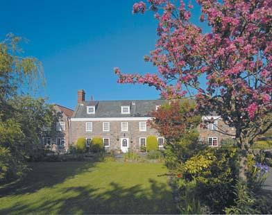 3* Hougue du Pommier, Guernsey